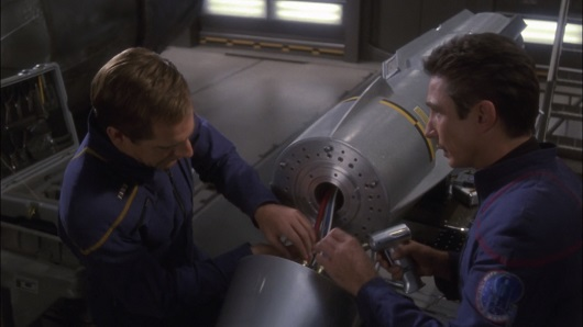 Star Trek Enterprise 2×16 – Future Tense
