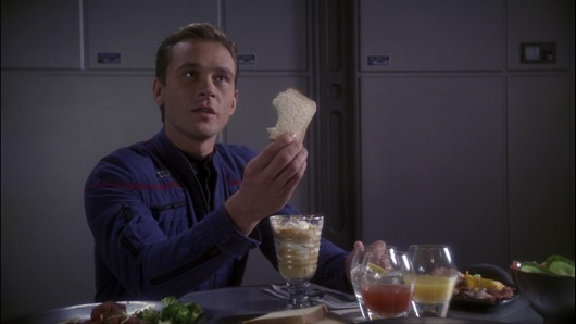 Star Trek Enterprise 2×18 – The Crossing