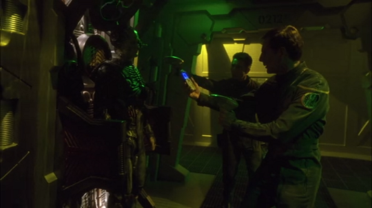 Star Trek Enterprise 2×23 – Regeneration