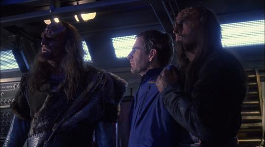 Star Trek Enterprise 2×25 – Bounty