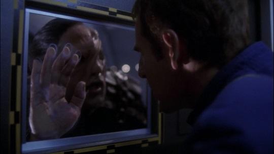 Captain Archer tortures an Osaarian