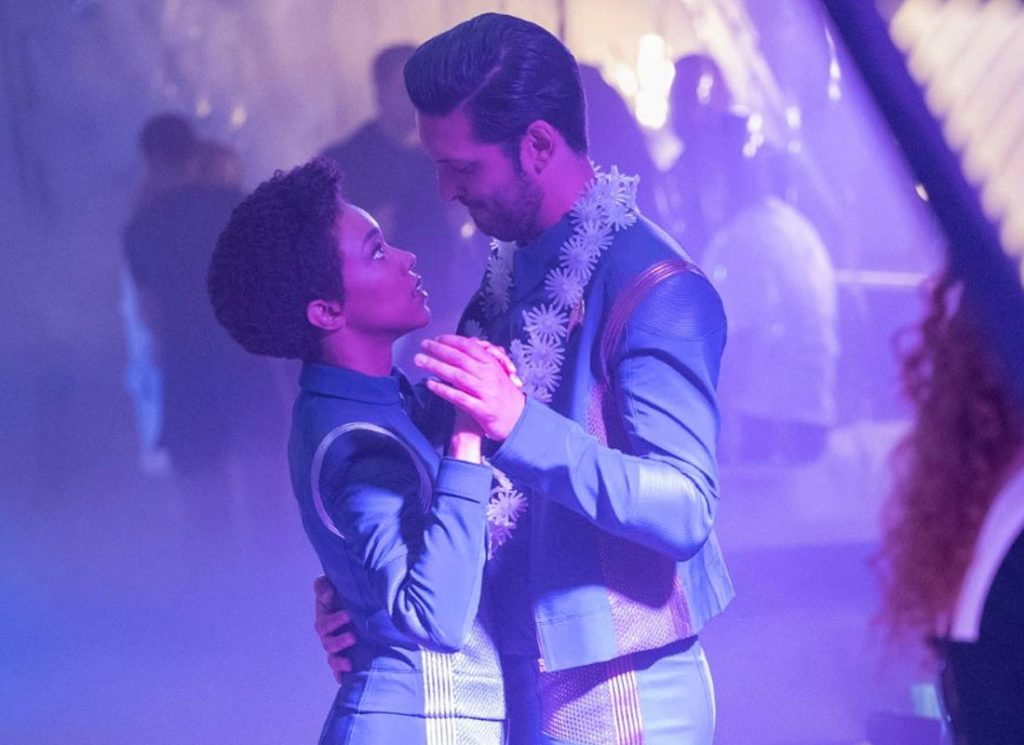 Michael Burnham and Ash Tyler doing it up in Magic to Make the Sanest Man Go Mad